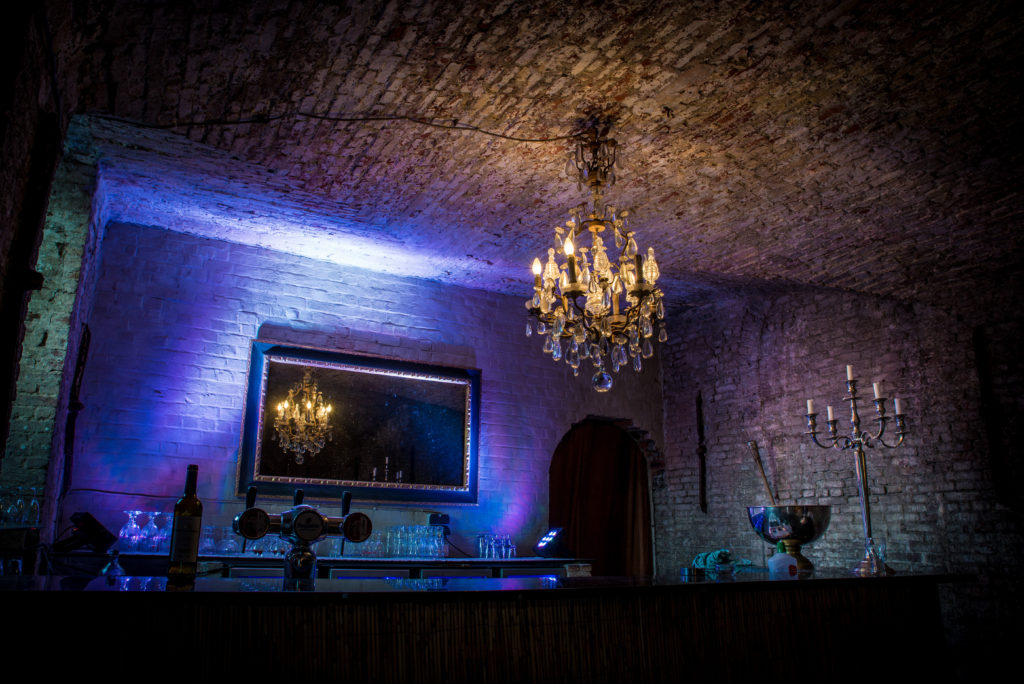Bar catacomben.
